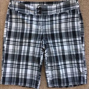 Women's Ann Taylor Black & White Plaid Shorts-sz 0